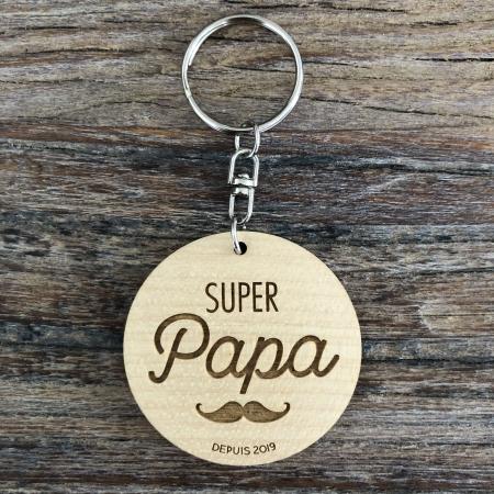 """Porte-clé personnalisé en bois d'érable plaqué """"Super Papa"""" à offrir pour la fête des pères recto"""