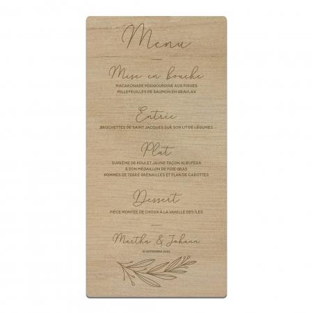 Grand menu sur table de mariage personnalisé en bois okoumé collection mariage Verlaine.