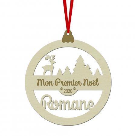 """Boule de Noël personnalisée """" Cerf dans la forêt """" en bois Mon Premier Noël."""