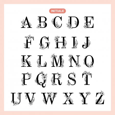 Alphabet floral pour personnalisation de l'enseigne en bois.
