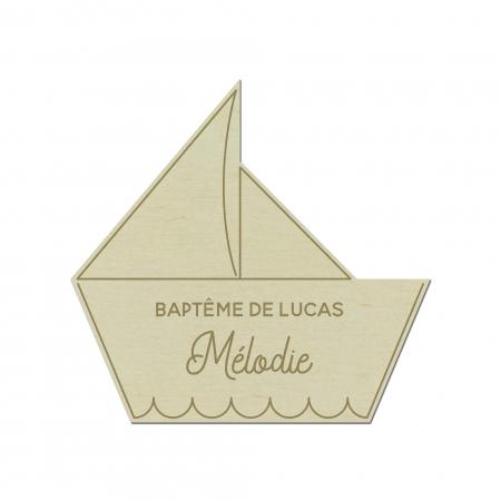 Marque place Bateau personnalisé baptême anniversaire bois de peuplier.