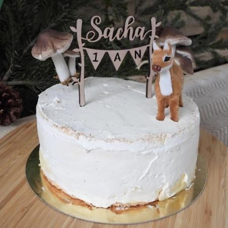 Cake topper personnalisé sur le thème de la forêt en bois anniversaire